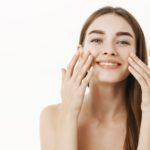 Purificare la pelle del viso in 6 passi