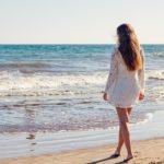 10 modi per proteggere i capelli in estate